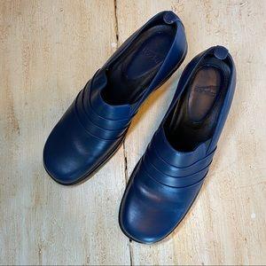 Dankso Blue Slip On Clogs Size 8.5-9 US